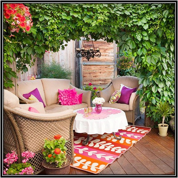 Use bold colors in outdoor