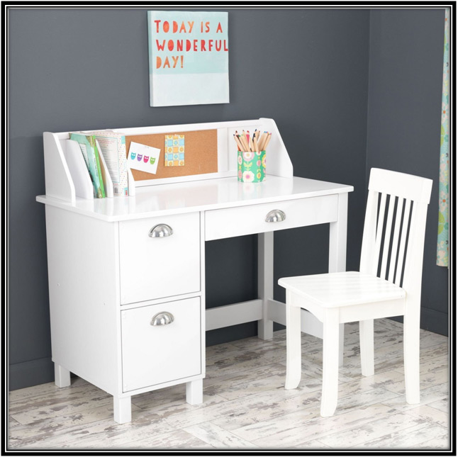 A Kids Study Table and Chair Home Decor Ideas