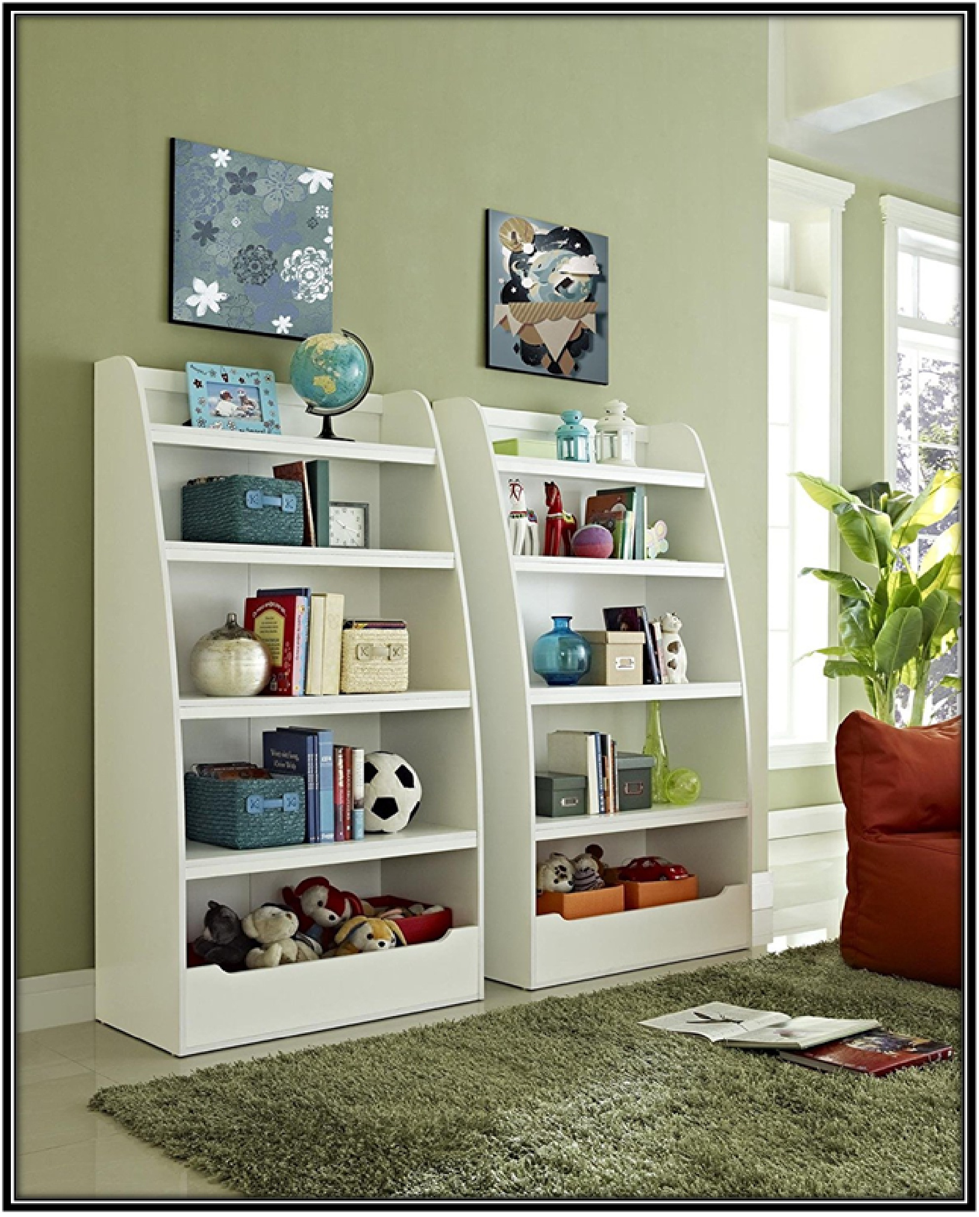 Organizing books in kid's room - home decor ideas