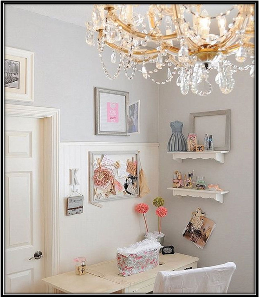 Expensive photo frames and wall hangings - Home decor ideas