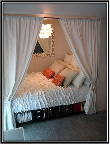For An All-white Romantic Corner Corner Space Home Decor Ideas