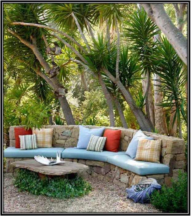 A Casual Place To Gather Garden Decoration Ideas
