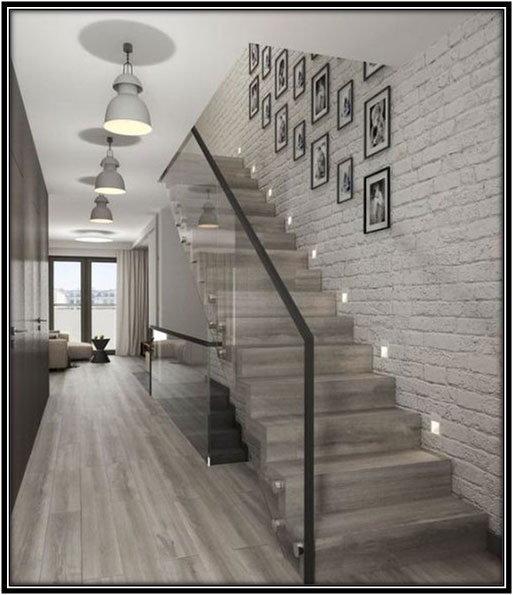 Frames To Add Character To The Stairs Home Decor Ideas