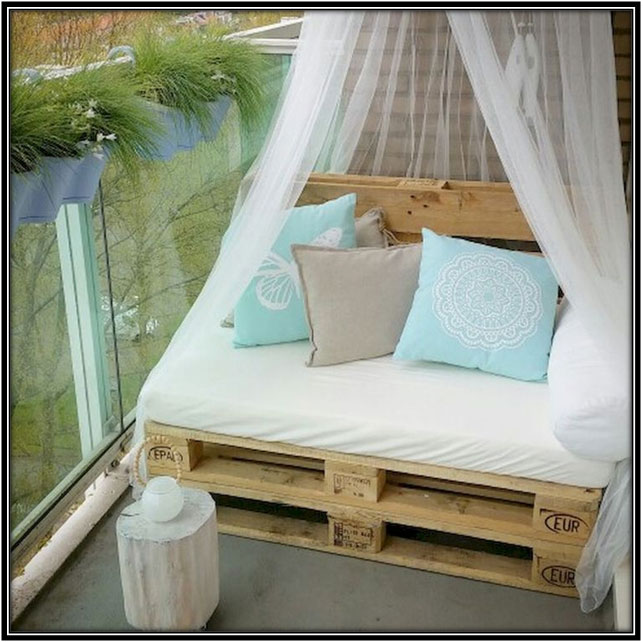Simple Comfortable Space To Begin With Balcony Decoration Ideas