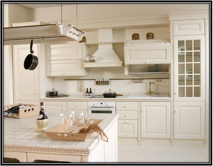 Aluminium designs for your cabinets and utensils
